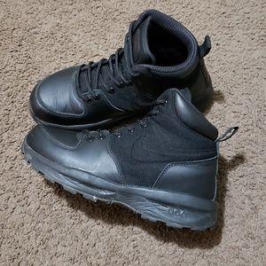 Nike air manoa leather textile